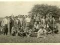 Wędkarze biorący udział w zawodach wędkarskich na łowisku Plinc w dniu 26.06.1960 r.
