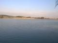 Zdjęcie wykonane z pierwszego grzebienia, pokazujące zbiornik w kierunku nowego koryta rzeki Odry.