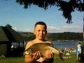 Nazywam się Kuba Mierzwa - W tym roku łowiłem na Zalewie  Czorsztyńskim w Pieninach,leszcz miał 52cm i był na brązowy medal ,ale  popłynął do jeziora .