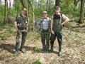 Zdjęcie leśnych ludzi przed drugą turą zawodów.