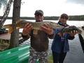 Krzysztof i ryby, które dały mu zwycięstwo w zawodach na jeziorze Dąbie