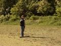 zawodnik wykonuje rzuty z pięciu odległości i różnych pozycji