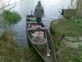 Łódka załadowana. Wypływamy na środek Jeziora.