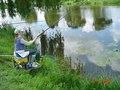 juniorka łowiąca ryby